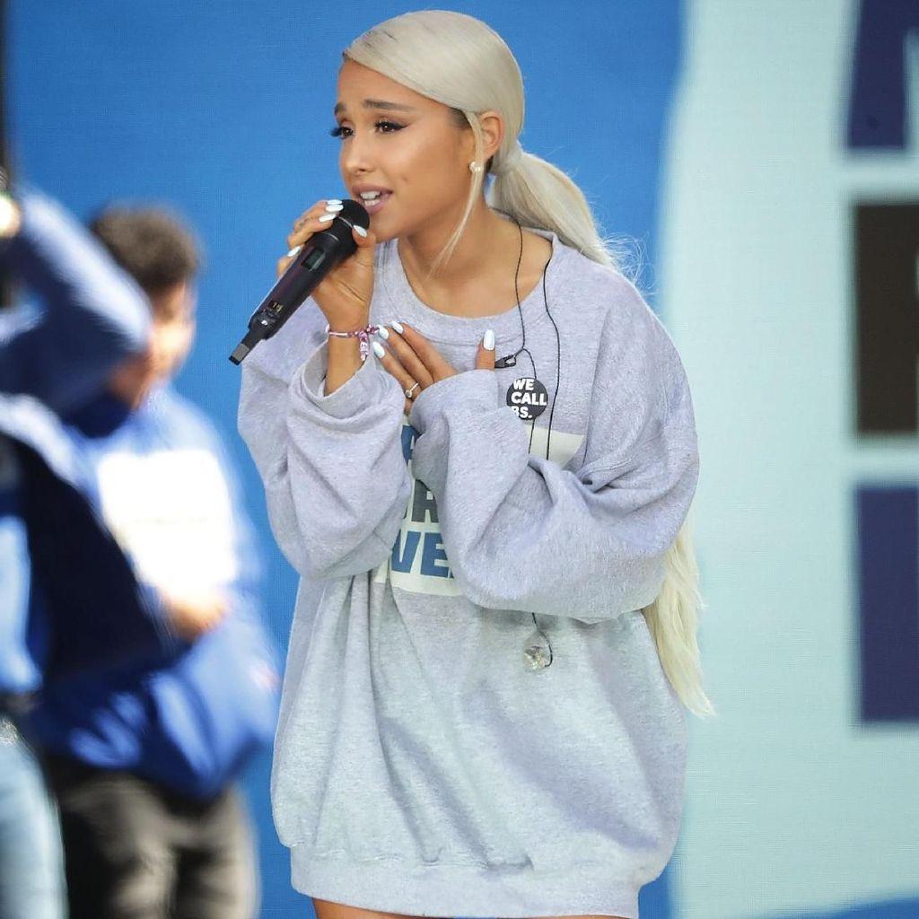 Ariana Grande Punya Klip Terbanyak Ditonton, Masih Butuh Isu untuk Dompleng?