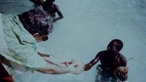 Kisah Antropolog yang Bertemu Suku Terasing di Lautan Hindia