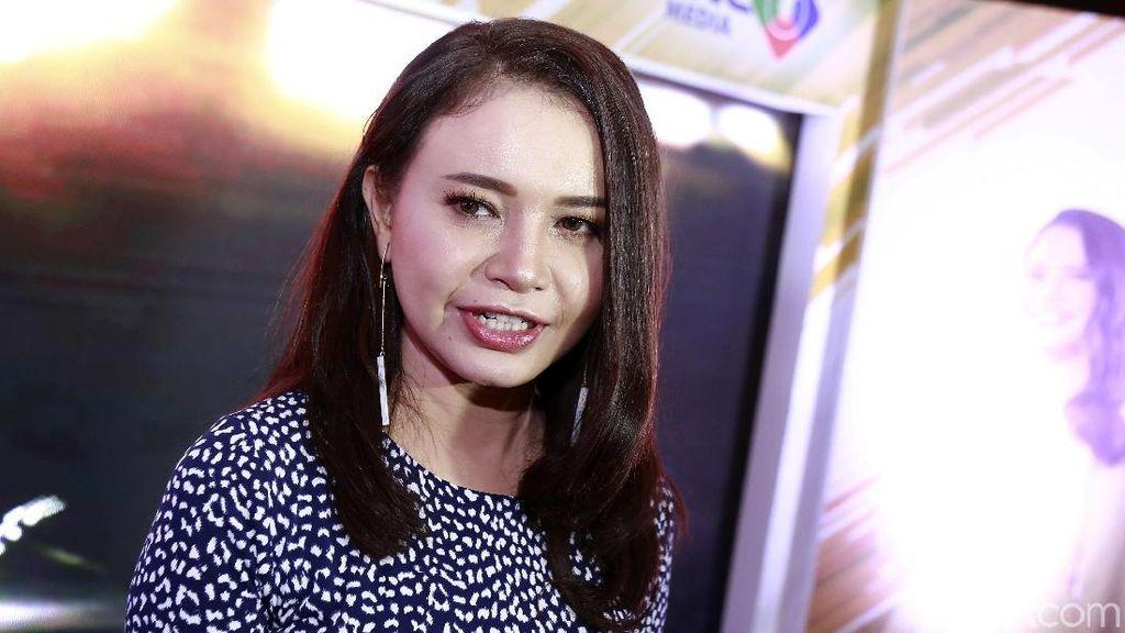 Salah Lirik Saat Nyanyikan Indonesia Raya, Rossa Diprotes Netizen