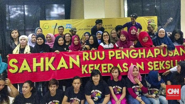 Seminar Hari Anti Kekerasan terhadap Perempuan menuntut pengesahan UU Penghapusan Kekerasan Seksual.