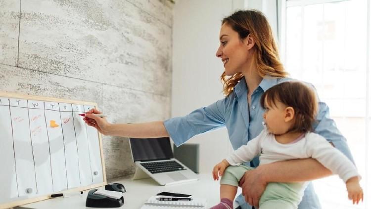 4 Tantangan Mengasuh Anak yang Sering Dihadapi Ibu Masa Kini