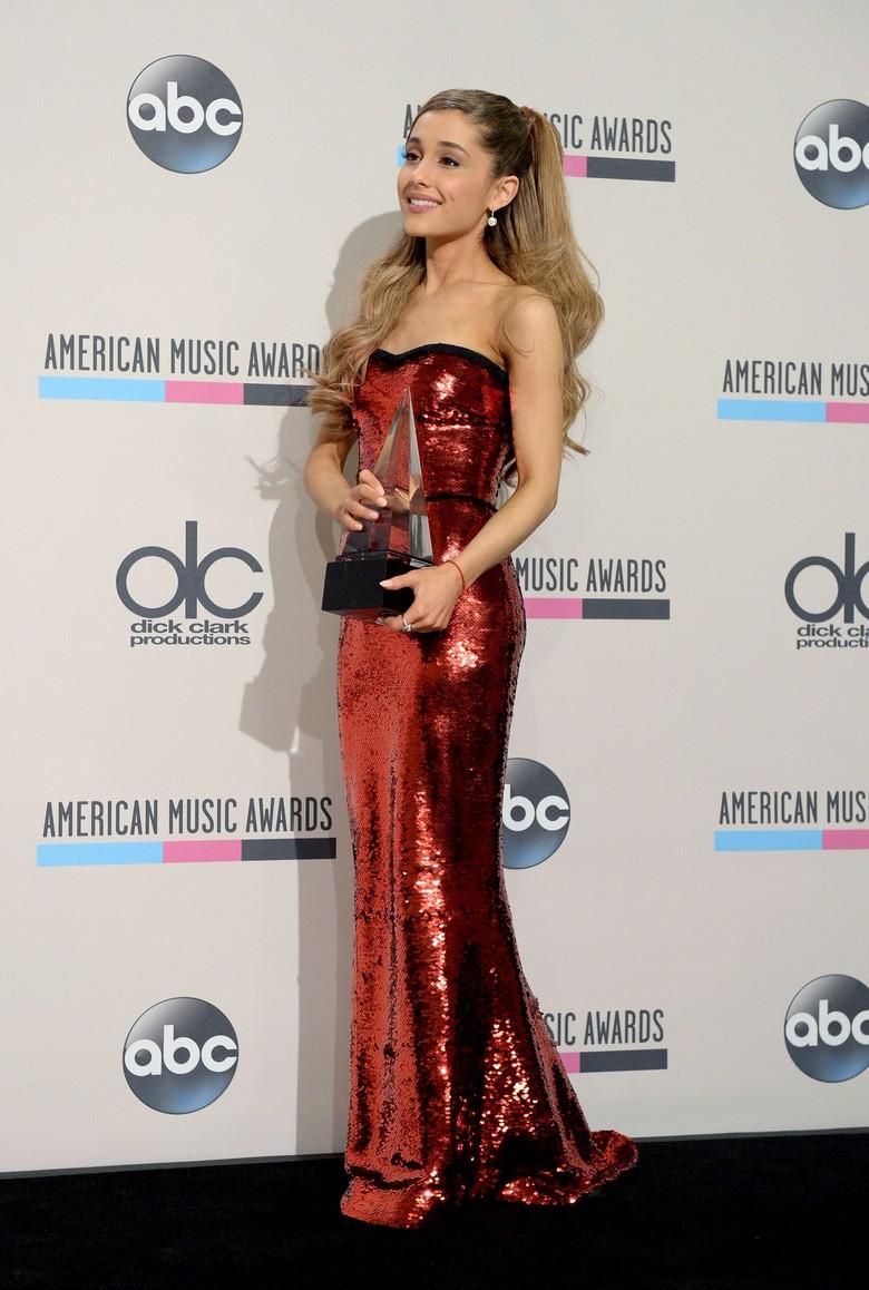 Ariana Grande Ternyata Ngefans Celine Dion Sejak Kecil
