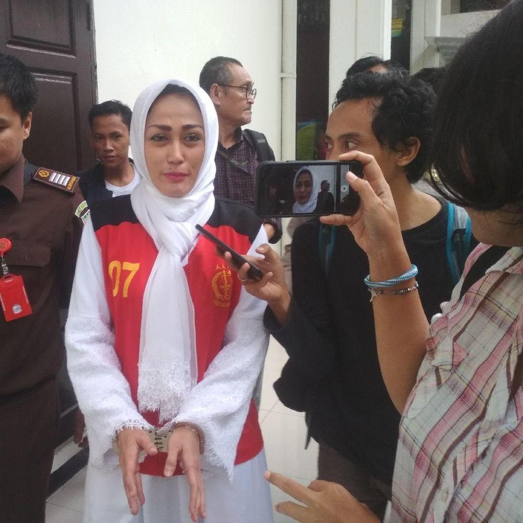 Hakim Cecar Awal Asmara Sisca Dewi dengan BS