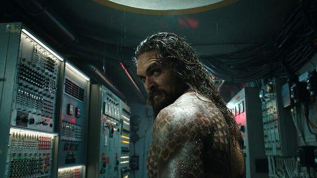Jason Momoa sebagai Arthur dalam 'Aquaman.'