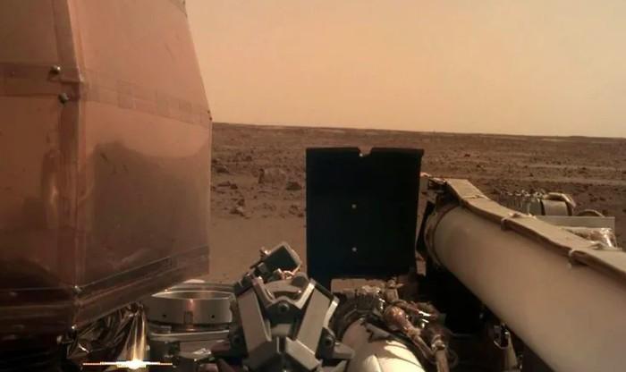 Foto dari robot InSight yang berada di Mars. Foto: NASA