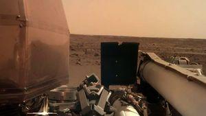 Robot InSight Kirim Foto dari Rumah Barunya di Mars