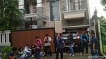 Hiks, Vicky Prasetyo Tersedu Daftarkan Gugatan Cerai di Pengadilan