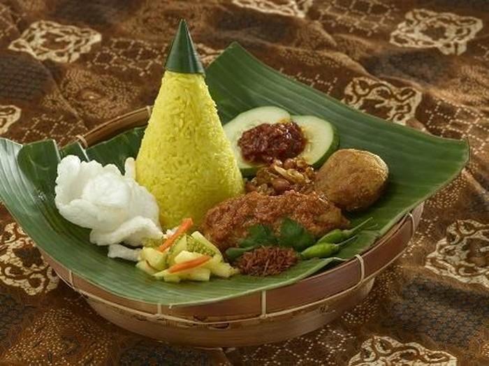 Cara Membuat Nasi Kuning Spesial Dan Gurih