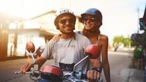 8 Cuitan Manis Indahnya Pacaran Naik Motor Ini Bikin Kamu Senyum Sendiri