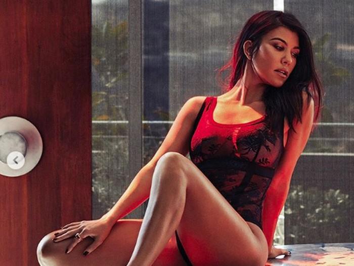 Kourtney Kardashian saat pemotretan dengan GQ Meksiko.