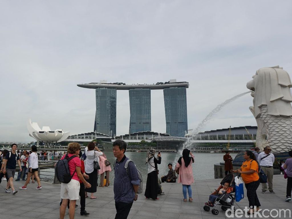 Siap Damai dengan COVID-19, tapi Singapura Lockdown Lagi Sebulan