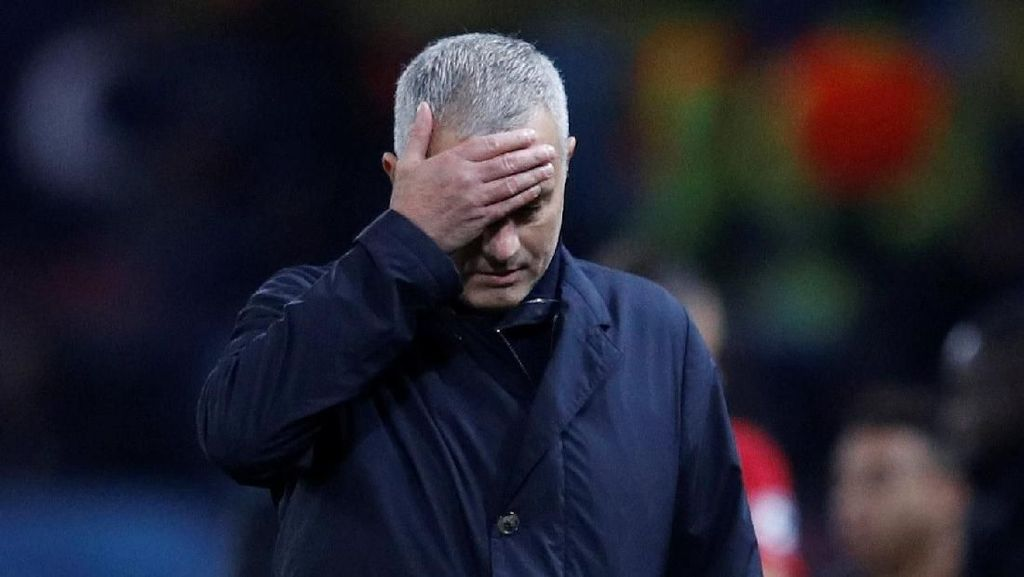 Mourinho dan Tradisi Pemecatannya di Musim Ketiga