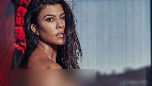 Kourtney Kardashian Pose Tanpa Busana di Majalah Meksiko