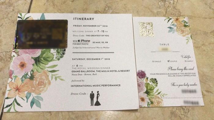 Mewahnya Undangan Pernikahan Crazy Rich Surabayan Berbentuk Kotak Musik