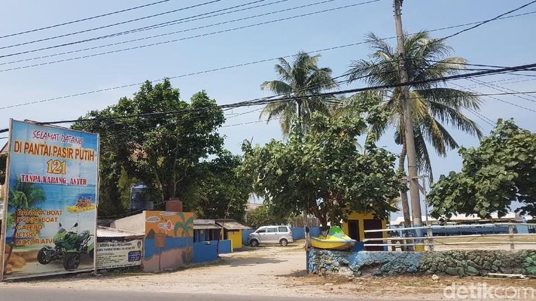 Foto: Tidak ada lagi pantai gratis di Anyer (Bahtiar Rivai/detikTravel)