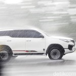 Bahaya Air Hujan Buat Mobil