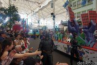 Ada parade superhero! (Melisa/detikTravel)