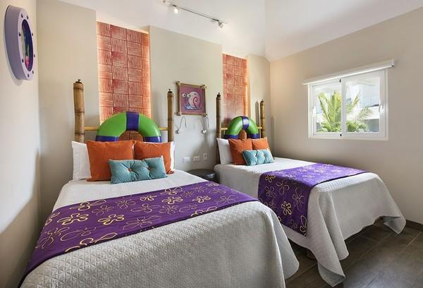 Di dalam tempat tidur pun masih bernuansa Bikini Bottom. Ada lukisan bergambar Gary, siput peliharaan Spongebob (Nickelodeon Hotels & Resorts Punta Cana)