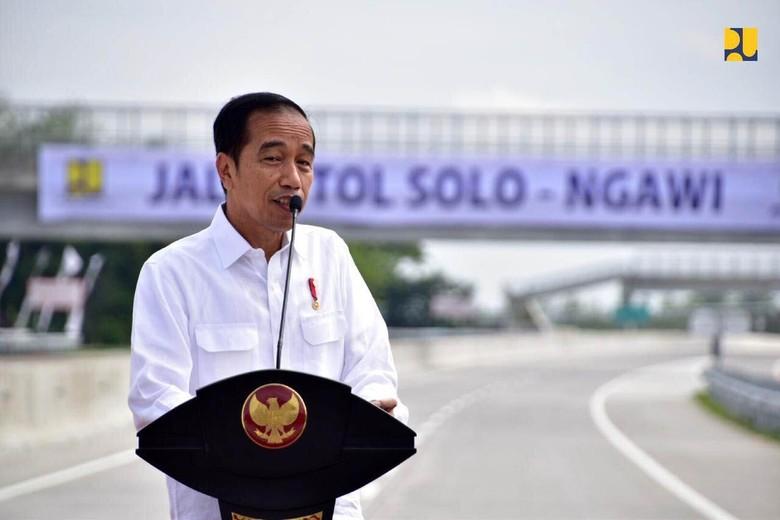Jokowi: Silakan Ada yang Ngomong Nggak Mau Makan Jalan Tol