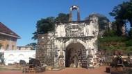 Wisata Sejarah di Melaka, Wajib Mampir ke Benteng A Famosa