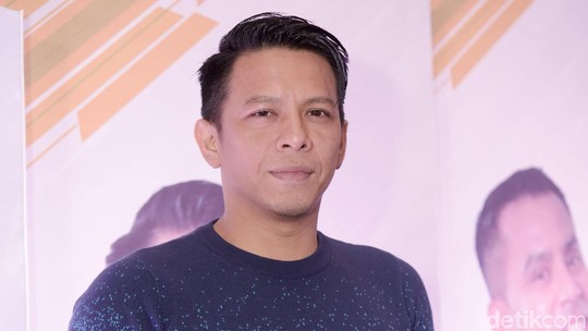 5 Aktor yang Disebut Cocok Perankan Dilan Dewasa, Siapa Jagoanmu?