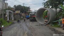 Truk Trailer di Brebes Belum Dievakuasi,Polisi Buka Tutup Jalan