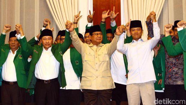 PPP kubu Humphrey Djemat saat dukung Prabowo /