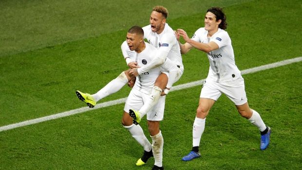 Neymar dan Cavani absen lawan Man United.