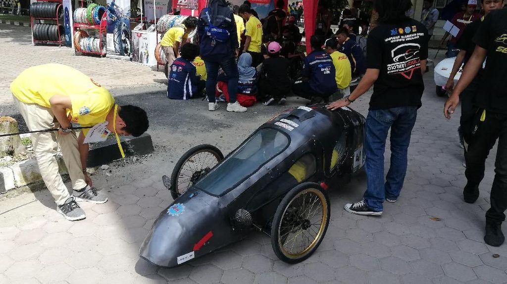 Kontes Mobil Hemat Energi di Padang Mirip Lomba Internasional