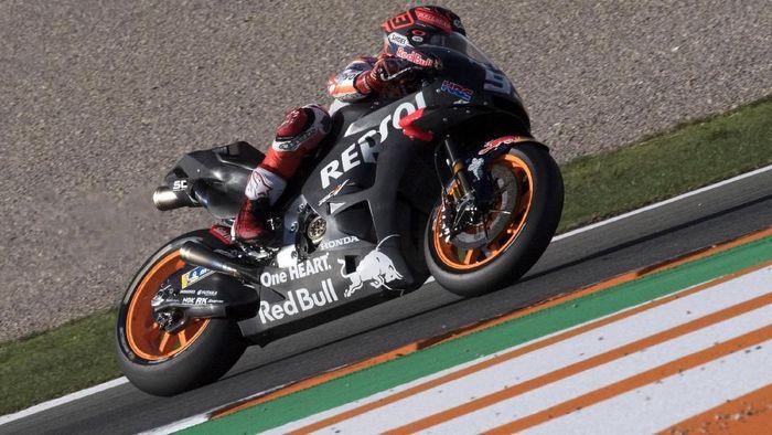 Marc Marquez saat menjalani tes MotoGP di Valencia beberapa waktu lalu. (Foto: Mirco Lazzari gp/Getty Images)
