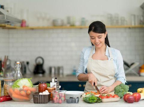 Suka Masak? Yuk, Ikutan 'Back to Back Cooking' Berhadiah Microwave!