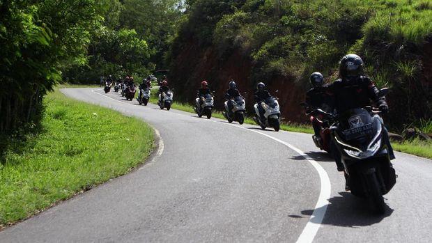 Siap 'Menyiksa' PCX di Jalanan Eksotis Bali