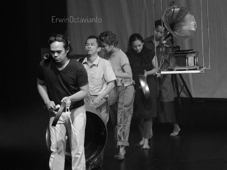 Foto: Dok. teater garasi/ erwin octavianto