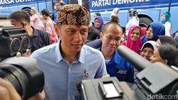 AHY: Perusakan Baliho SBY Sangat Berlebihan dan Kasar