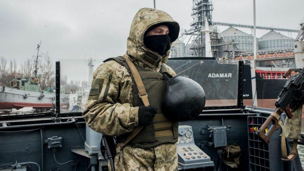 Bentrok dengan Rusia, Presiden Ukraina Desak NATO Kirim Armada Kapal
