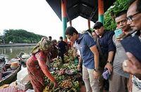 Begini Serunya Sarapan di Pasar Terapung, Banjarmasin