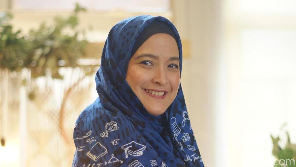 Scarf Ini Dibuat Khusus untuk Bantu Jutaan Murid di Indonesia