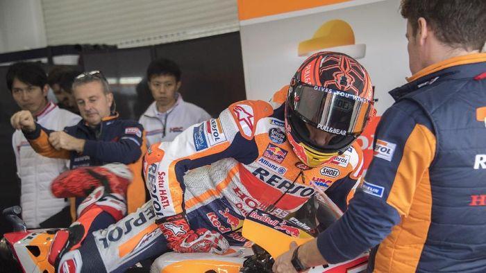 Apakah Marc Marquez tertarik pindah dari Repsol Honda ke Yamaha? (Mirco Lazzari gp/Getty Images)