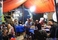 Sate Bang Dudung : Sate dan Sop Kambing Empuk Legendaris di Kampung Melayu