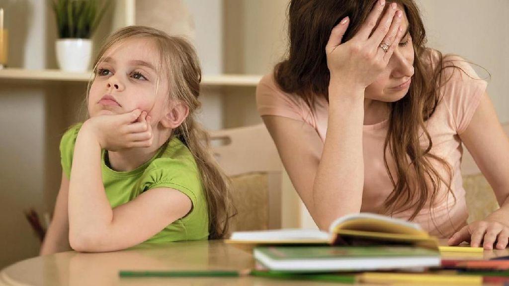 Tips Meredam Emosi Saat Anak Dapat Nilai Buruk