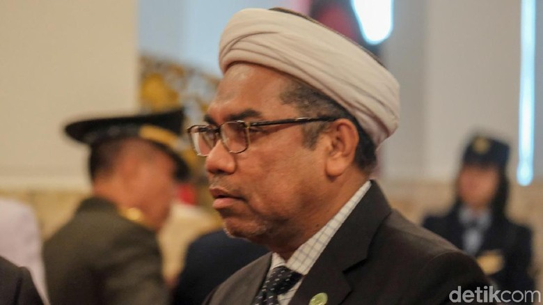 Ngabalin Tanggapi BW: Urusan MK Kok Jokowi Jadi Sasaran Tembak?