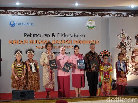 Peluncuran buku karya istri Tito Karnavian, 'Kreasi Busana Daerah Indonesia Warisan Nusantara'.