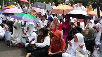 Korban First Travel Geruduk MA, Tuntut Aset Tak Disita