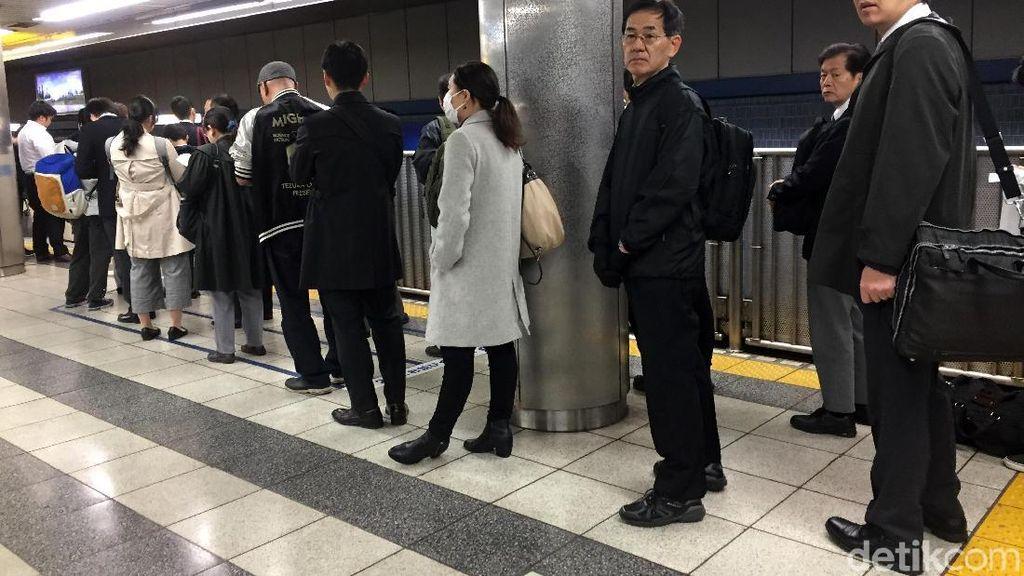 Rekan Commuters, Ada Contoh Baik Naik Kereta ala Jepang Nih!