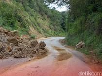 Tebing 50 Meter di Banjarnegara Longsor, Timpa Rumah-Timbun Jalan