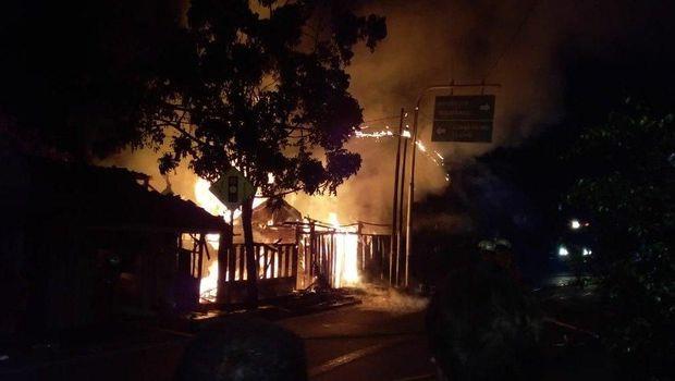3 Kebakaran Terjadi di Jakarta Dini Hari Ini