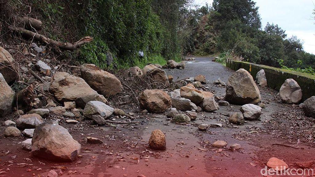 Jalur Sabang ke Tugu Nol Kilometer Tertutup Longsor
