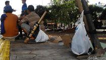 Kuli Sindang di Jakarta: Banyak Menunggu, Nasib Tak Menentu