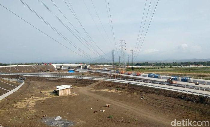 Ditargetkan pada Desember, di minggu ke 4 tahun 2018 mendatang, jalur Tol Paspro sejauh 31,3 kilometer tersebut sudah bisa beroperasi. Pejabat Pembuat Komitmen (PPK) Tol Paspro, Agus Minarno mengatakan, secara keseluruhan pengerjaan proyek Tol sudah hampir rampung.