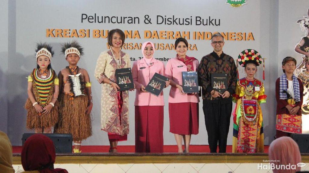 Prihatin Isu SARA, Istri Tito Karnavian Luncurkan Buku Kreasi Busana Daerah